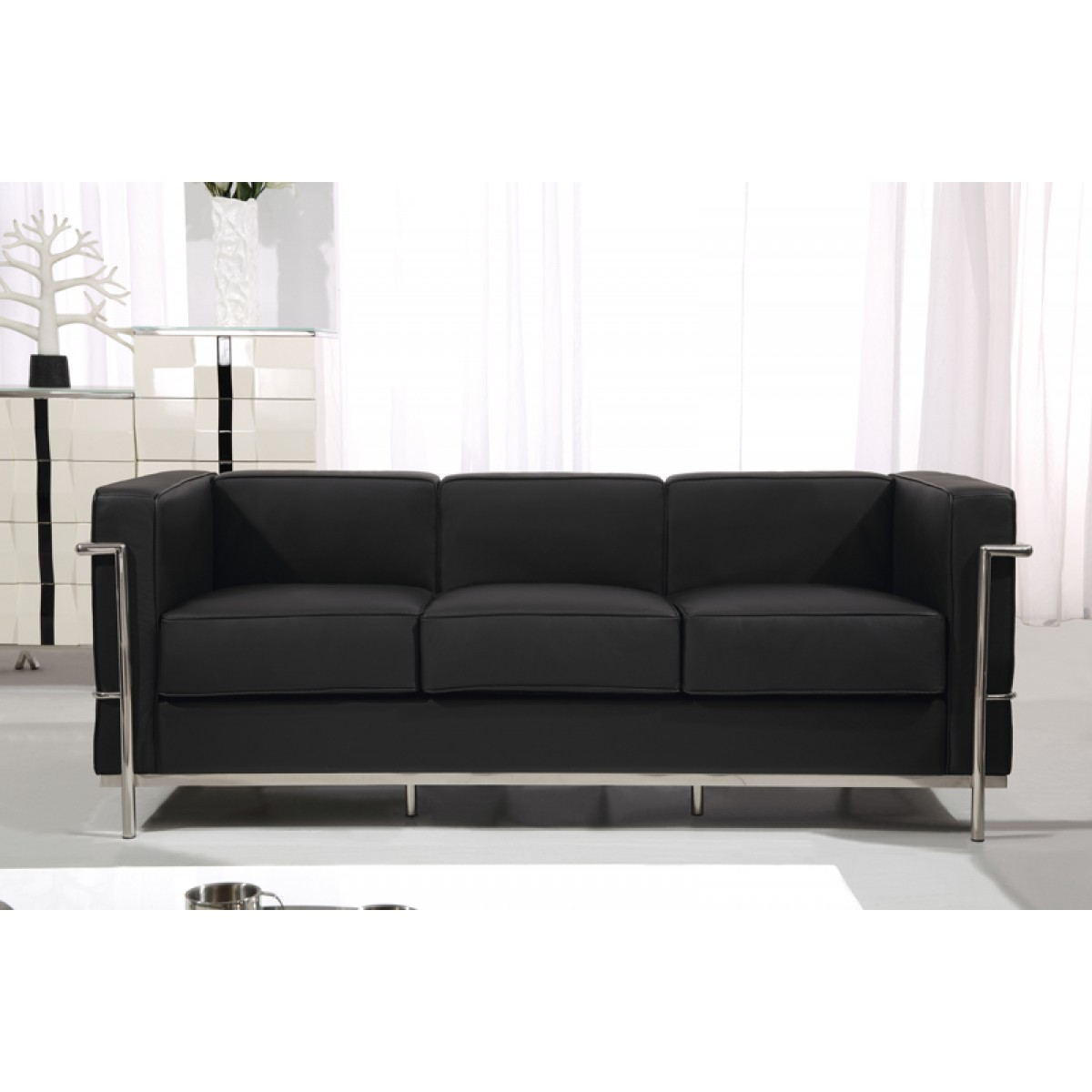fauteuil canap s en cuir le corbusier. Black Bedroom Furniture Sets. Home Design Ideas